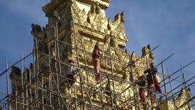 Buddyjski Pagodowy odbudowa proces, Myanmar - 21 2017 Listopad zbiory