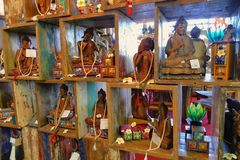 Buddysta woodden statuy i pamiątki zdjęcie royalty free
