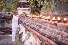 Buddysta zaświecał lampę 01 Obrazy Royalty Free
