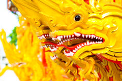 Buddyzm dekoruje statua koloru farby złotego projekt Zdjęcia Royalty Free