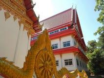 Buddyzm i dach pawilon przy Watem Ubonboratip Zdjęcia Stock