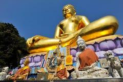 Buddyzm statua przy Złotym trójbokiem, Chiangsan Zdjęcia Royalty Free