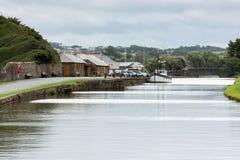 BUDE, CORNWALL/UK - 8月15日:在Bude的运河在康沃尔郡 免版税库存照片