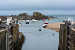 BUDE, CORNWALL/UK - AUGUST 15 : Boats in the harbour at Bude on stock images