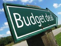 Budget- avtalsvägmärke Royaltyfri Fotografi