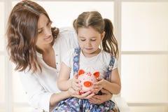 Budget de famille et concept de l'épargne Images libres de droits