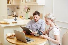 Budget de jeune famille image libre de droits