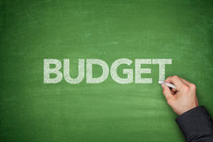 Budget på svart tavla Arkivfoto