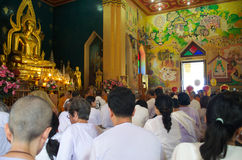 Budha de la adoración de la gente Foto de archivo libre de regalías