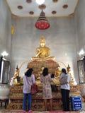 Budha en templo tailandés Fotografía de archivo libre de regalías