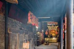 Budhist Tempel und es insences Lizenzfreies Stockfoto