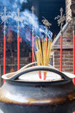 Budhist Tempel und es insences Stockbilder