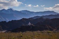 Budhistmonument Shanti Stupa in Leh, Ladakh royalty-vrije stock afbeelding