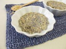 Budino di riso di Mochi con i semi di papavero Fotografia Stock Libera da Diritti