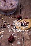 Budino di riso ed ingredienti dei cereali Fotografia Stock