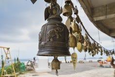 Budismo tailandés de la religión del color oro de las campanas Fotografía de archivo libre de regalías