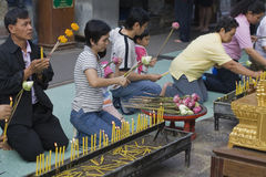 Budista tailandés en Wat Doi Suthep Fotos de archivo