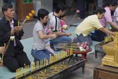 Budista tailandês em Wat Doi Suthep Fotos de Stock