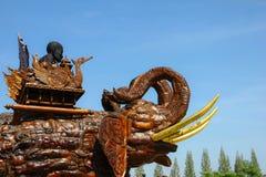 Budista y elefante Fotos de archivo libres de regalías