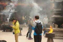 Budistas que ruegan Imagenes de archivo