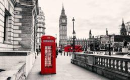 budka London czerwieni telefon fotografia stock