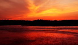 Budliegh Strand am Sonnenuntergang lizenzfreies stockbild