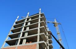 Budować dom budynku budowy żurawia miejsce Zdjęcia Royalty Free