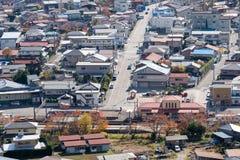 Budować mieszkaniowy czyści przy Yaman i ordynans w jesień sezonie zdjęcie stock