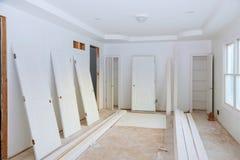 Budowa budynku przemysłu nowej domowej budowy drywall wewnętrzna taśma Budynek budowy tynku gipsowe ściany Zdjęcie Royalty Free
