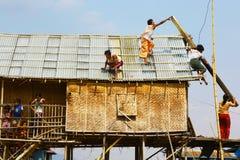 Budować dach, Myanmar Obrazy Stock