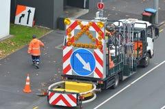 Budowa drogi pracownicy i ciężarówka Obraz Royalty Free