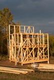 Budowa ekologiczny dom Drewniana rama domowy w budowie Obramiająca nowa budowa dom Obraz Stock