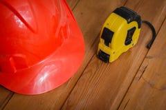 Budowa hełm i taśmy miara Zdjęcie Royalty Free