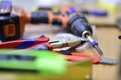 Budowa i narzędzia na stole Zdjęcia Stock