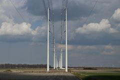 budowa linia energetyczna związek 380KV między Wateringen Obrazy Stock