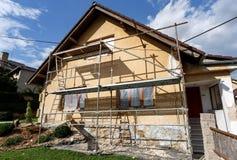 Budowa lub naprawa wiejski dom zdjęcie stock