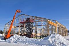 Budowa magazyn w zimy pogodzie fotografia stock