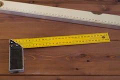 Budować poziom na drewnianym tle Obraz Stock