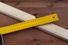 Budować poziom na drewnianym tle Obraz Royalty Free