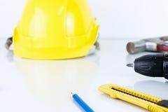 Budowa pracujący stół z podstawowymi budowniczych equipments Fotografia Stock