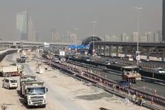Budowa przy Sheikh Zayed drogą w Dubaj Obrazy Royalty Free