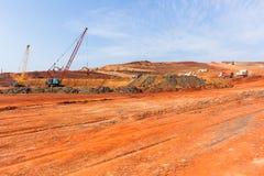 Budowa szanów żurawi ciężarówek krajobraz obrazy royalty free