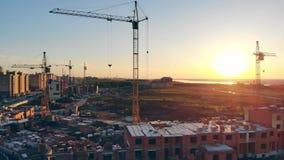 Budowa teren, buduje teren, miejsce teren od above Nowi mieszkania dostaje budujący zdjęcie wideo