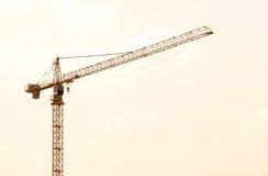 Budowa żuraw na zmierzchu Fotografia Royalty Free