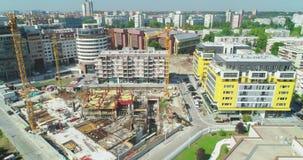 Budowa w centrum miasta, kamera podróżuje wyjawiać je Lato zdjęcie wideo