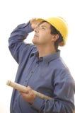 budowniczy budowy patrzeć w górę pracownika obraz stock