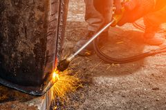 Budowniczy spawki metalu drymba obraz royalty free