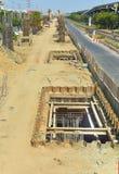 Budowy jama kratownicowy linii kolejowej niebo Fotografia Royalty Free