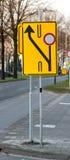 budowy odosobniony drogowego znaka biel Fotografia Stock