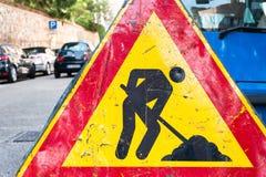 budowy odosobniony drogowego znaka biel Fotografia Royalty Free